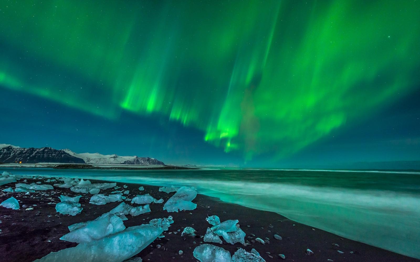 aurora borealis wallpaper and background image | 1600x1000 | id:416975