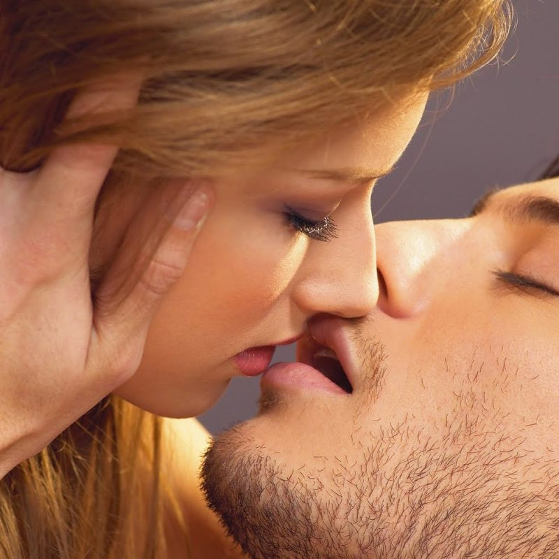10 Top Romantic Kiss Images Hd FULL HD 1080p For PC Desktop 2018 free download best romantic kiss day 2018 kissing pictures pics photos 800x800