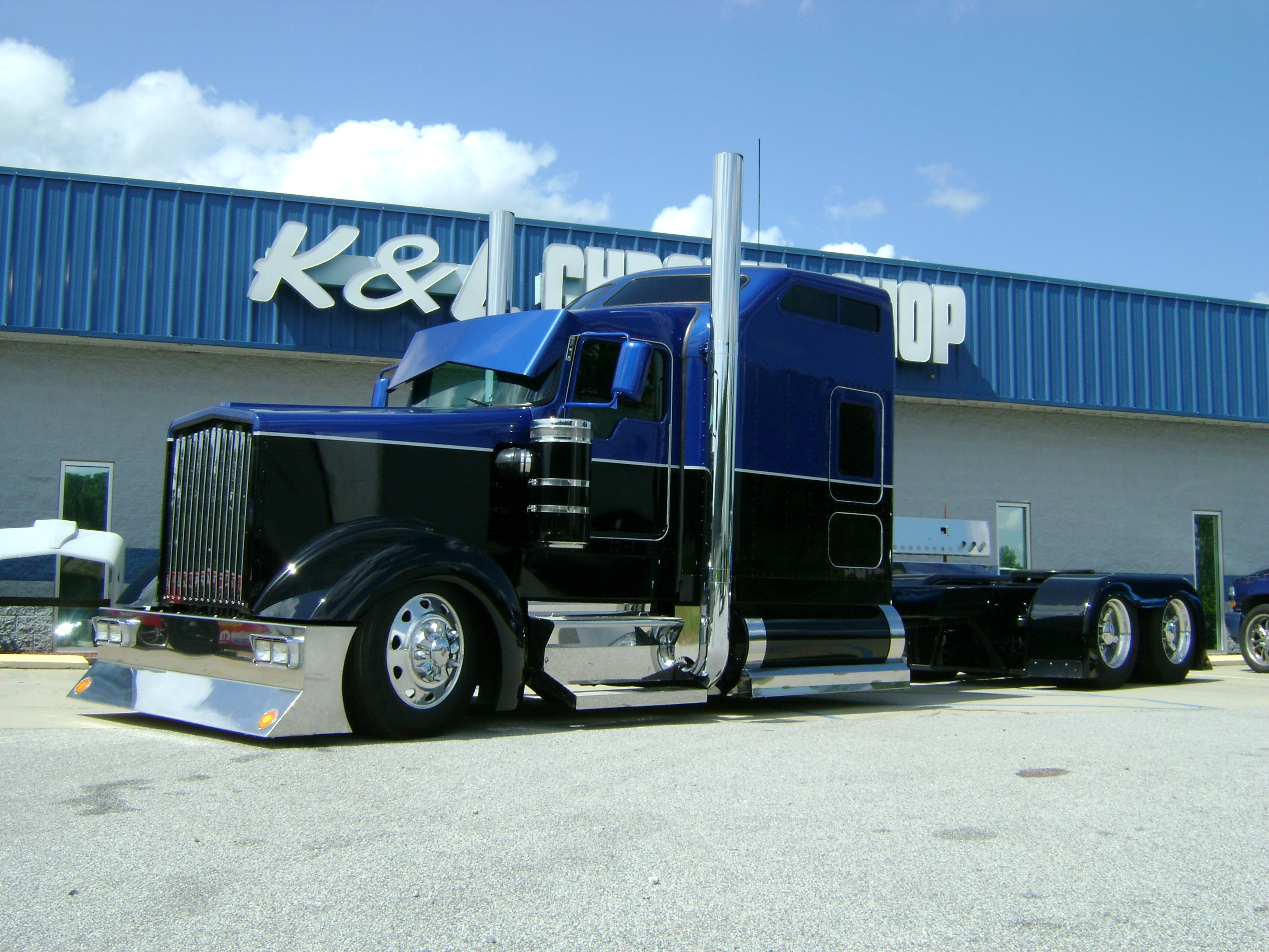 custom built and painted kenworth w900. | custom rigz | pinterest