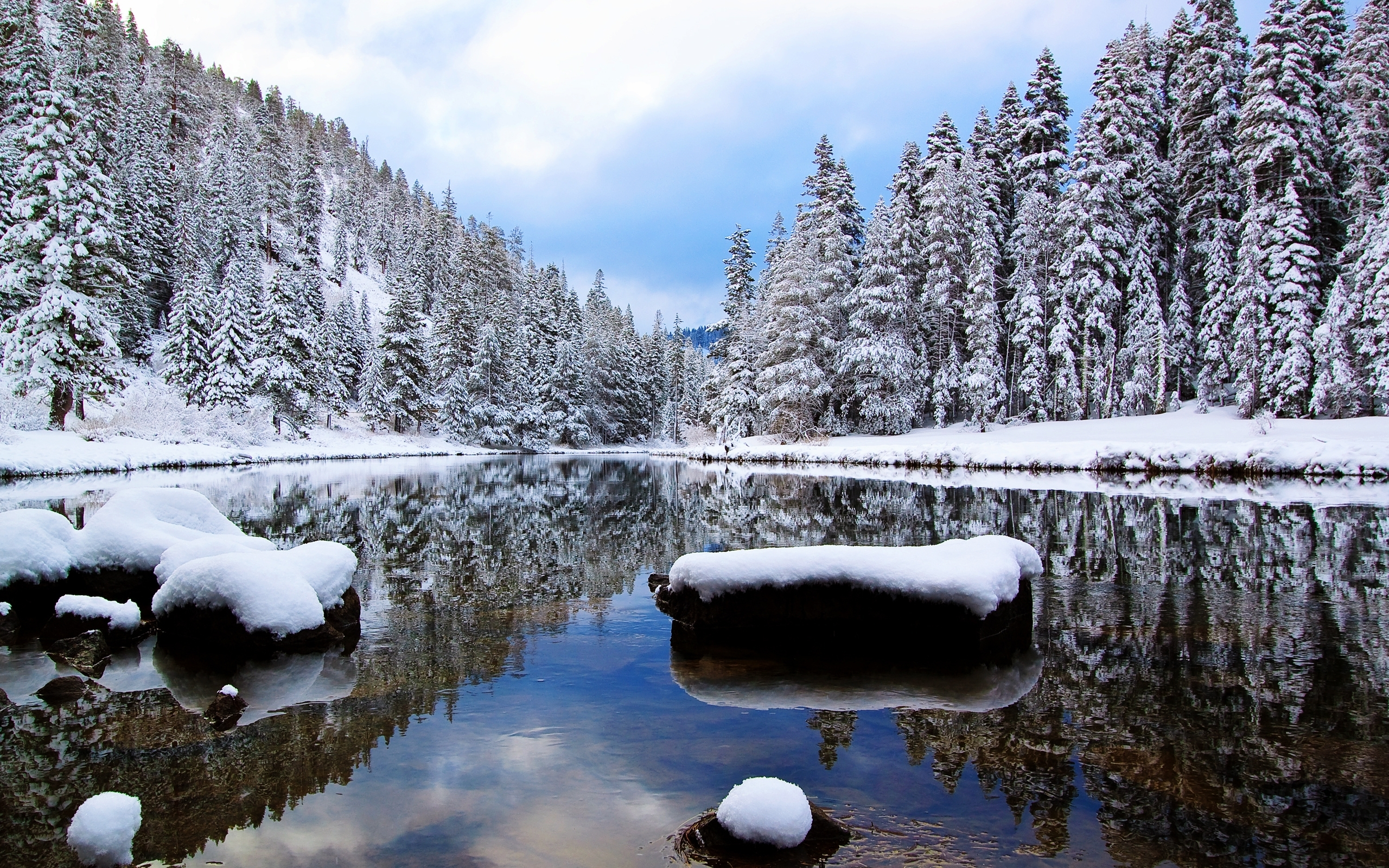 description download winter river wallpaper in 2560x1600 resolutions