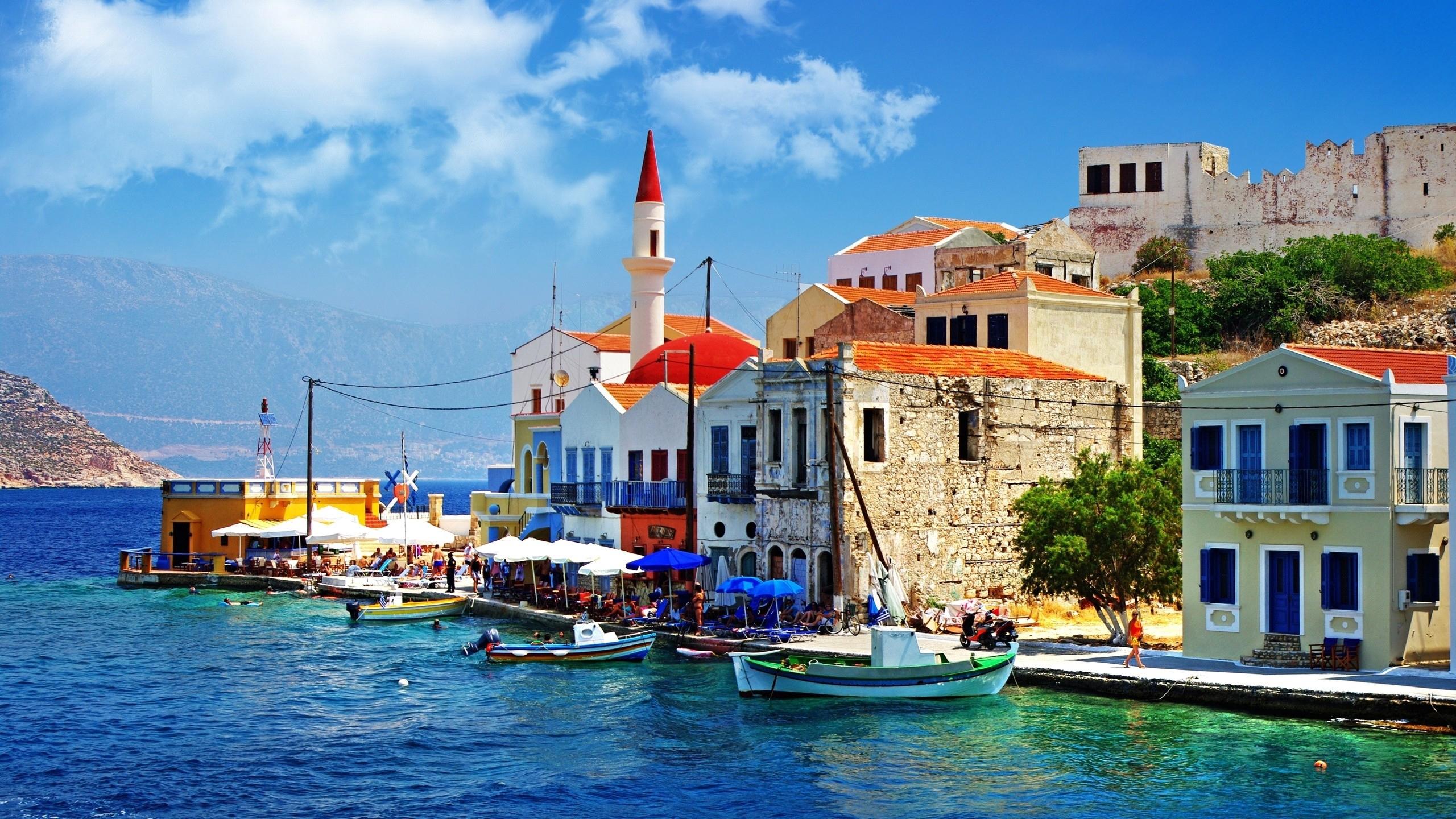 download wallpaper 2560x1440 greece, dock, boat, building widescreen