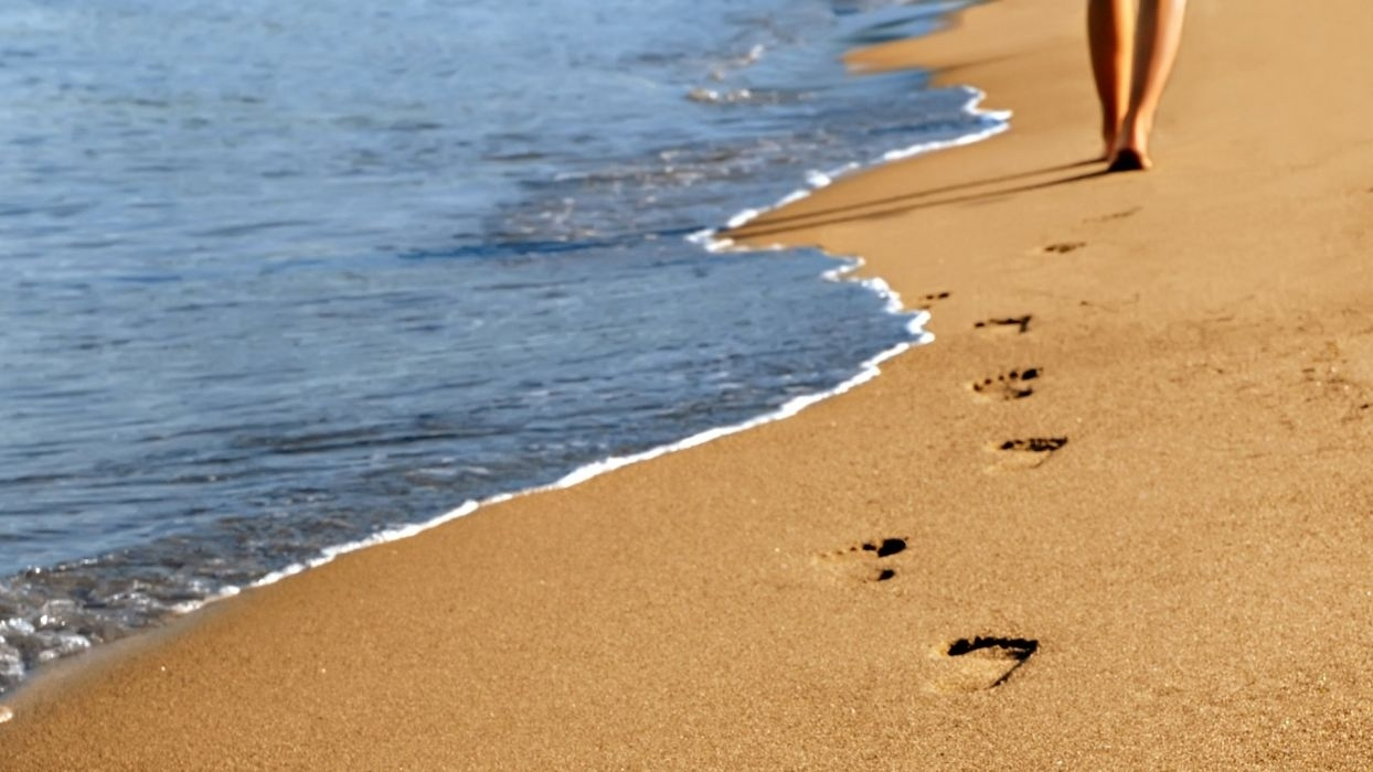 footprints in the sand - sea sand wallpaper | 1920x1080 | 497297