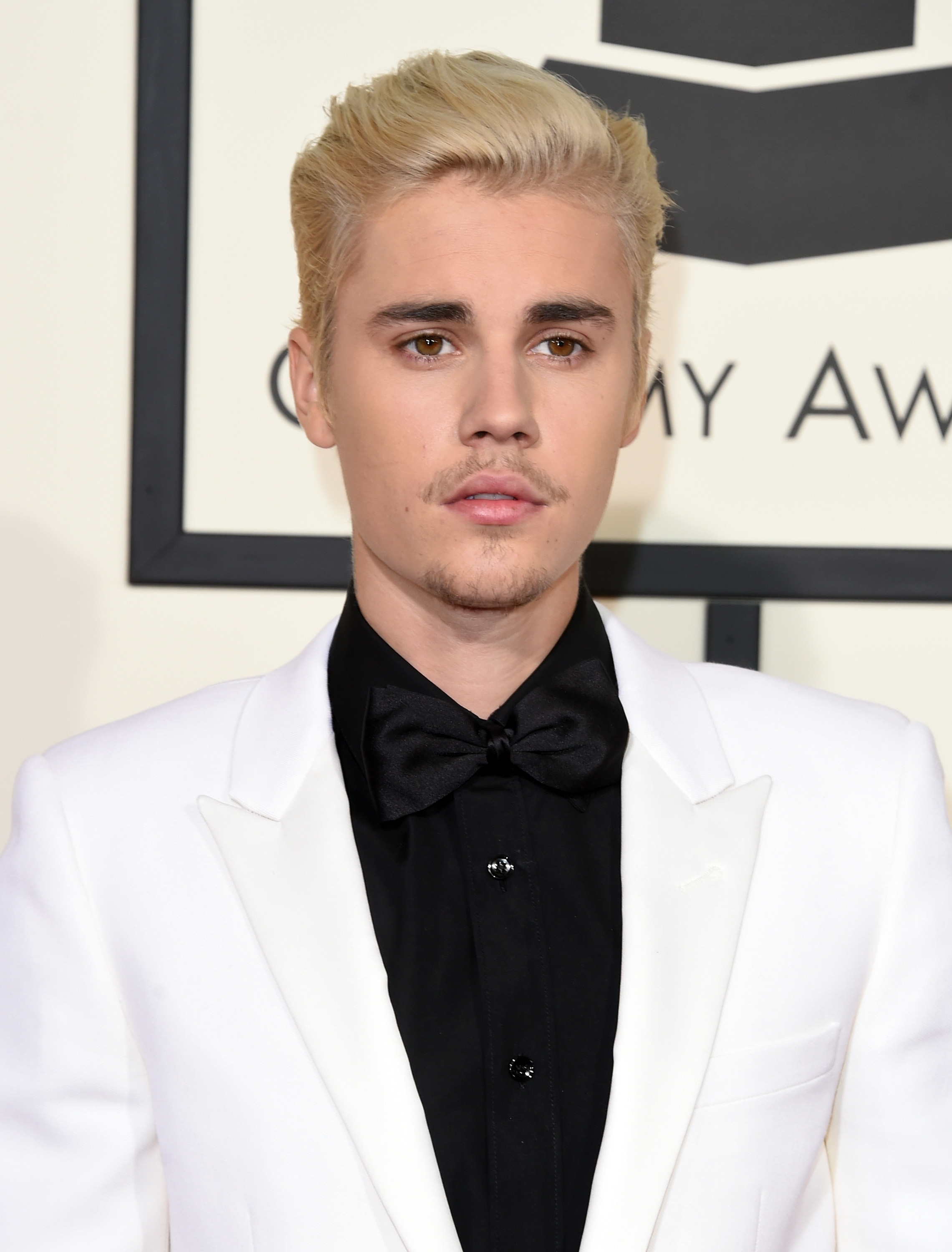 justin bieber's 2016 grammys outfit is a throwback to an early