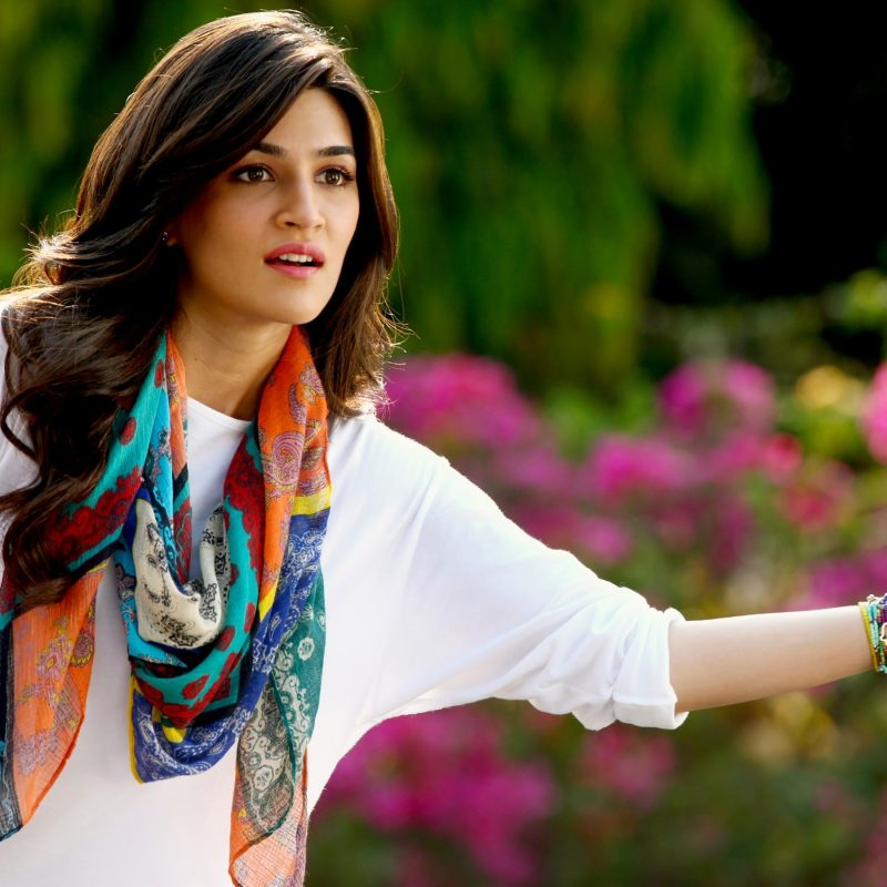 10 Best Kriti Sanon Hd Wallpapers FULL HD 1080p For PC Desktop 2018 free download kriti sanon in dilwale wallpapers hd wallpapers id 16161 800x800