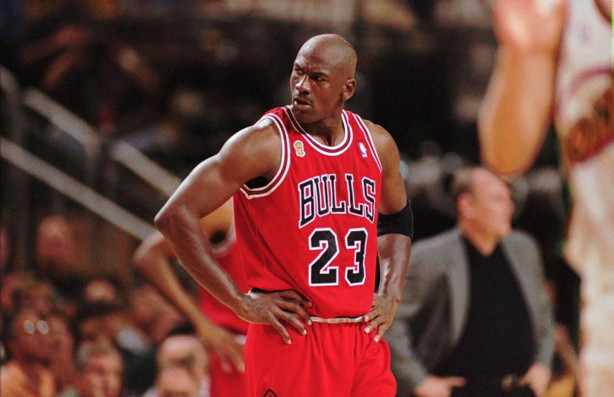 michael-jordan-chicago-bulls-desktop-backgrounds - wallpaper.wiki